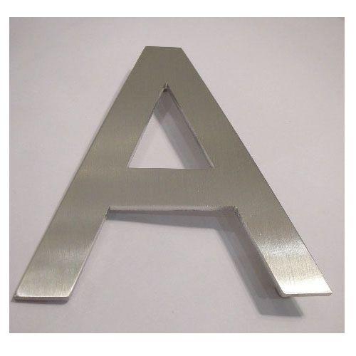 Pictogramme lettre majuscule sur entretoise - Hauteur 100 mm