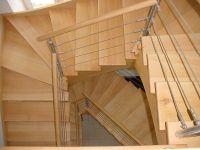 Rambarde d'escalier - main courante en bois